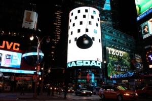 Black SunVideo- Proyeccion sobre edificio