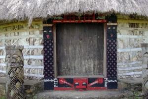 Reconstitution d'une grand case vers Poindimié