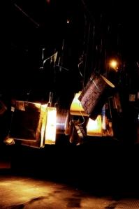 Valérie John - I telman nwè ki i blé- Installation dimensions variables, 168 morceaux technique mixte, tissage papier – 2005- Photo Jean-Philipe Breleur