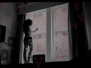 """Vagina"""" installation (détail), dessins au rouge à lèvre sur vitre, 2013- New - York"""