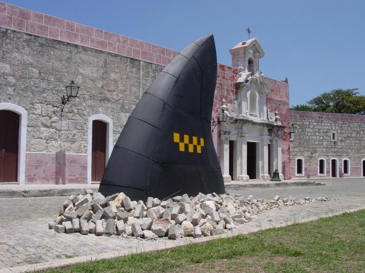 Reinerio Tamayo Taxi Tiburon IX biennale de la Havane Sculpture en métal dans l'espace public