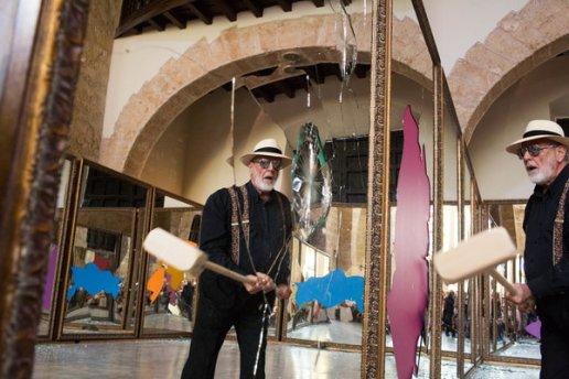 Michelangelo Pistoletto,Performance › Thirteen less two › Iglesia de Paula, Alameda de Paula, La Habana Vieja, Photo Lisette Poole New York Times