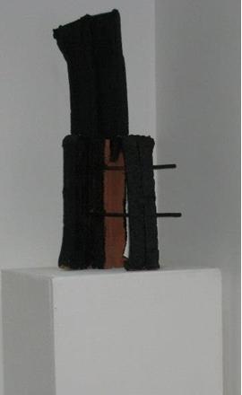 Habdaphai, sans titre, , tere de brique, fer et peinture, 2013