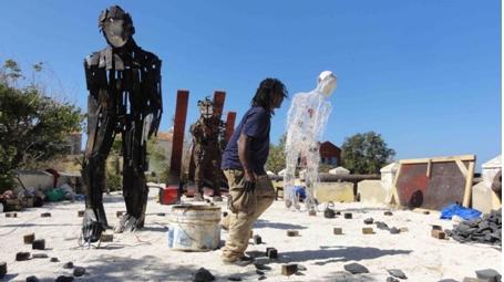 Blogorée, Gorée , 2012, finalisation des éléments de l'installation.