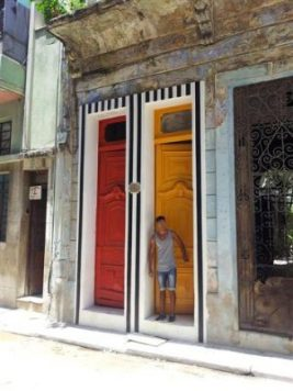 Dans les rues de La Havane . Biennale de Cuba 2015