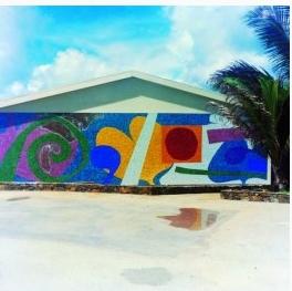 Fresque de 1965 à Sainte - Croix (Caraïbe) aujourd'hui disparue :NDLR déjà la couleur, déjà le reflet