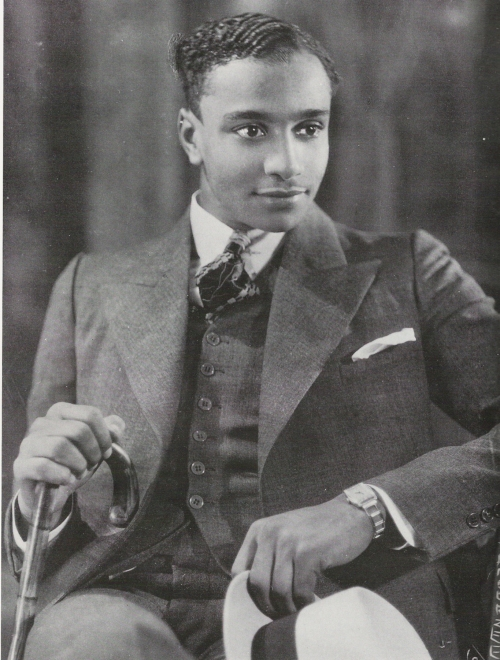 james-van-der-zee-jeune-homme-a-la-montre-the-schomburg-center-for-research-in-black-culture