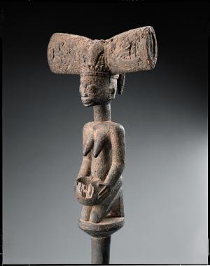 Afriques, Artistes d'hier et d'aujourd'hui, ancestralité et contemporanéité les yeux dans lesyeux