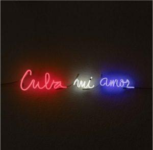 Pascale Marthine Tayou, Cuba Mi Amor 2017 neon, 8 x 70 cm