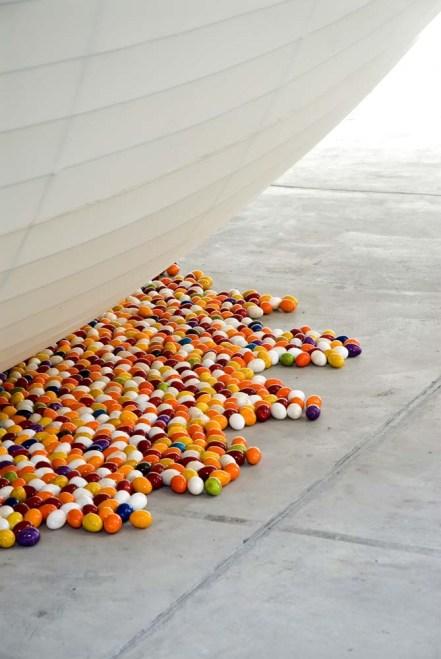 Pascale Eggs (détail) © Galleria Continua