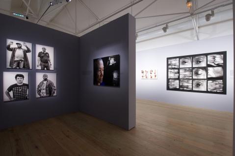 VISIONS ARCHIPÉLIQUES,EXPOSITION ,VOYAGE DANS LA DIVERSITÉ DE LA PHOTOGRAPHIE CONTEMPORAINE CARIBÉENNE.