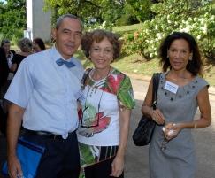 PARCOURS MARTINIQUE L'ART CONTEMPORAIN DANS LA CARAÏBE, Michel Monrose président de l'AMCA Dominique Brebion présidente de l'Aica Caraïbe du Sud, Suzanne Lampla Trésorière de l'Aica-sc